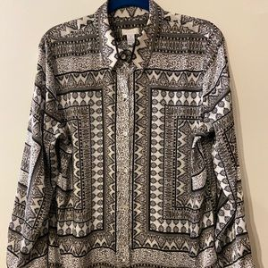 Chico's black/white patterned blouse